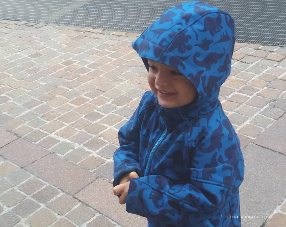 bambino pioggia